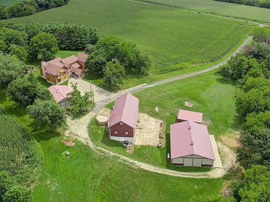Aerial (photo 1)