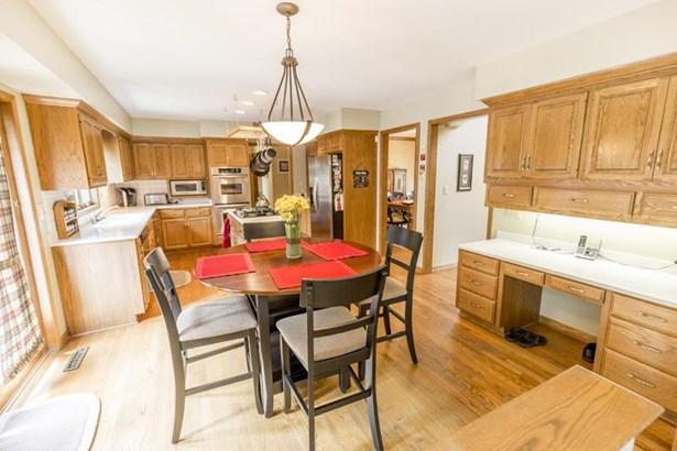 Kitchen (1) (photo 5)
