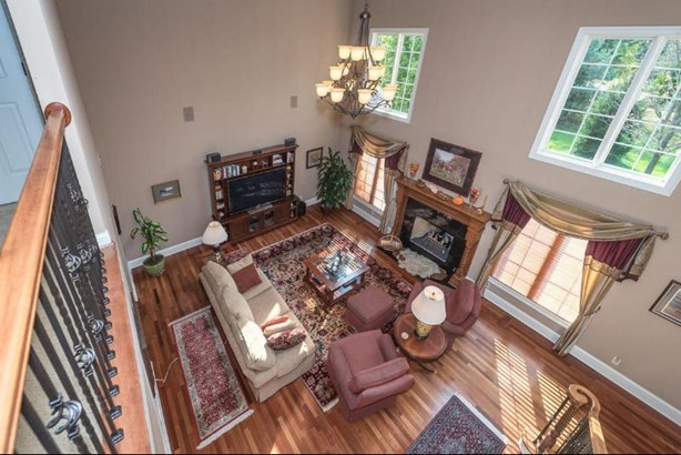 Living/Great Room (photo 2)
