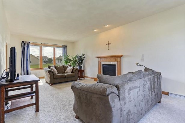 Spacious Living Room With Gas Fireplace (photo 3)