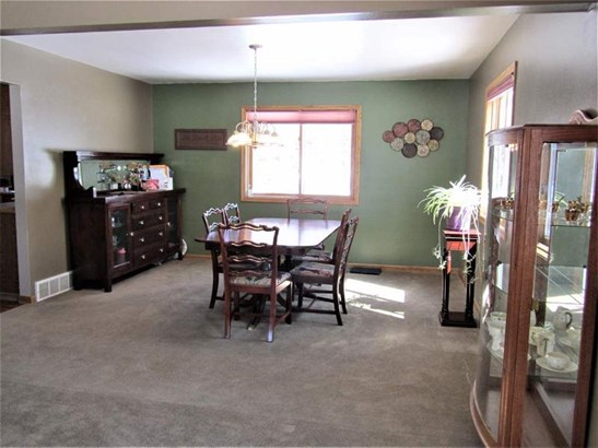 Living & Dining Room Areas (photo 4)