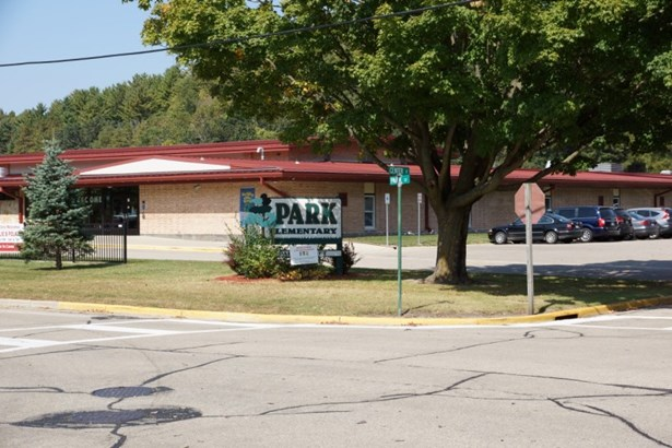 Park Elementary (photo 3)