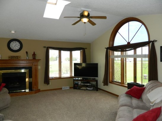 Vaulted Great Room (photo 3)