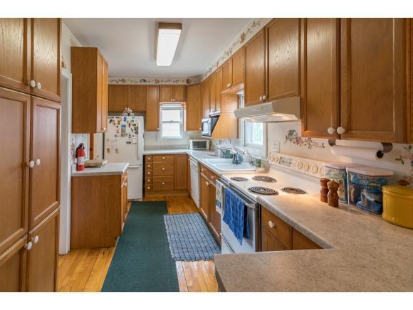 Kitchen Includes Appliances (photo 4)