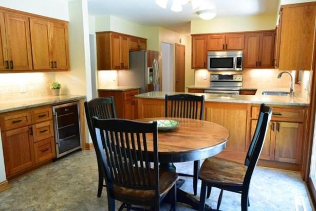 Kitchen 2 (photo 2)