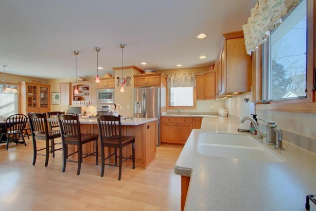 Awesome Updated Kitchen (photo 2)