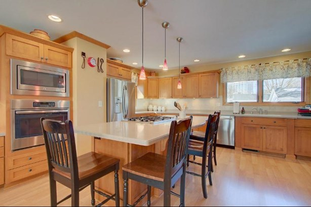 Stainless Appliances Included (photo 3)