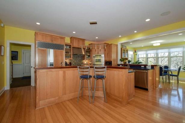 Professional Kitchen (photo 2)