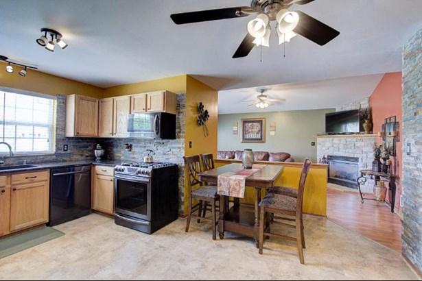Granite Kitchen Open To Great Room (photo 1)