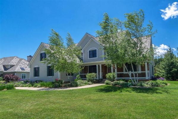 1854 Carriage Hills Dr, Delafield, WI - USA (photo 1)