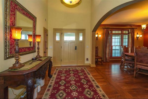 1854 Carriage Hills Dr, Delafield, WI - USA (photo 3)