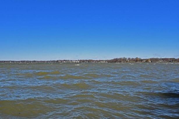 lake (photo 2)