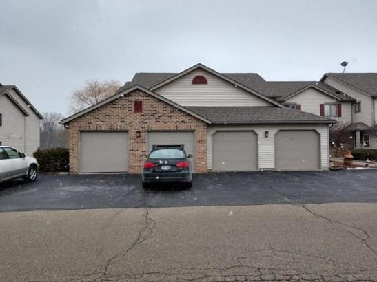 Attached 1.5 Garage (photo 3)