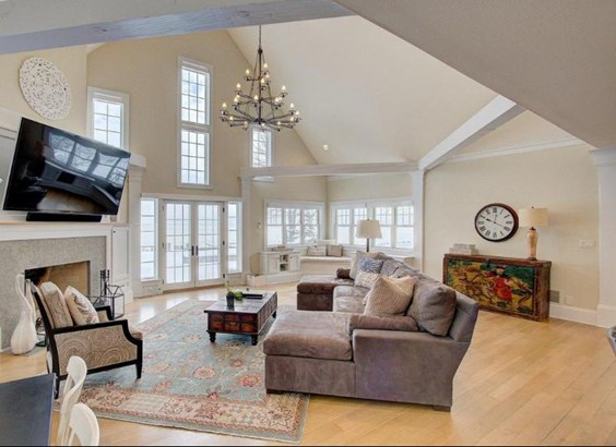 Family Room with Soaring Ceilings (photo 3)