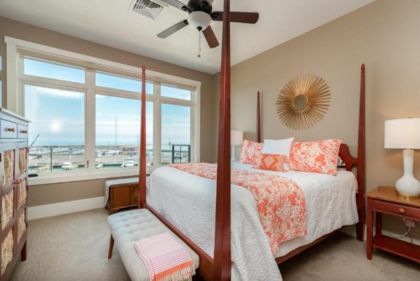 Master Bedroom Lake Views (photo 3)