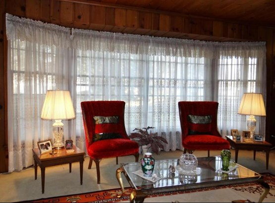 Living Room Bay (photo 5)