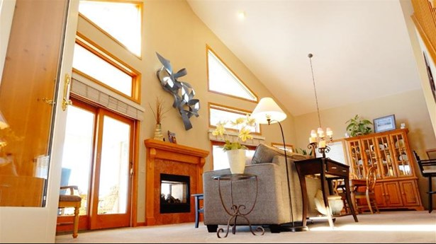 Living & Dining Rooms_a (photo 5)