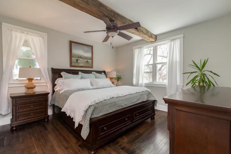 First Floor Master Bedroom (photo 5)