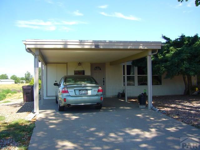 Ranch, Duplex - Pueblo West, CO (photo 2)