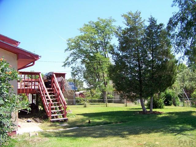 Bi-Level, Single Family - Pueblo, CO (photo 2)