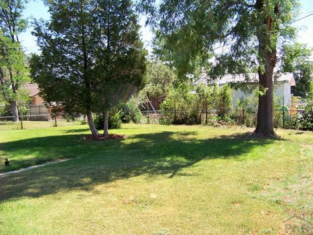 Bi-Level, Single Family - Pueblo, CO (photo 3)