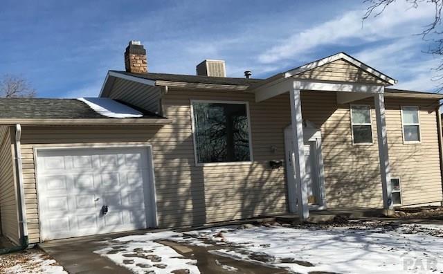 Bi-Level, Single Family - Pueblo, CO (photo 1)
