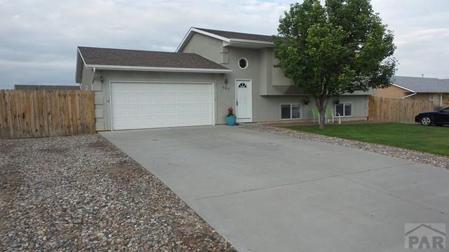 Bi-Level, Single Family - Pueblo West, CO (photo 1)