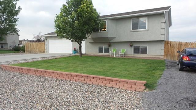Bi-Level, Single Family - Pueblo West, CO (photo 2)