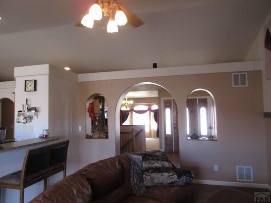 Ranch, Single Family - Pueblo West, CO (photo 2)