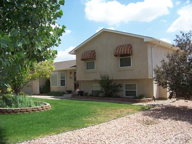 Tri-Level, Single Family - Pueblo West, CO (photo 2)