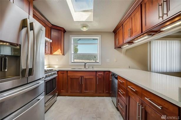 600 Sw Langston Place , Renton, WA - USA (photo 2)