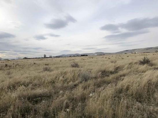 Nka Mieras Rd , Yakima, WA - USA (photo 2)