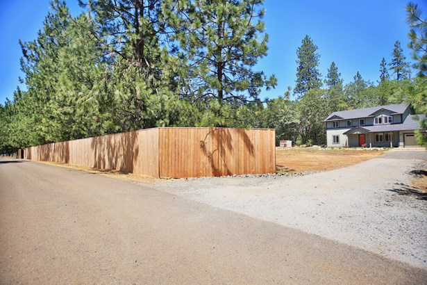 120 Carolbrooke Pl , Grants Pass, OR - USA (photo 2)