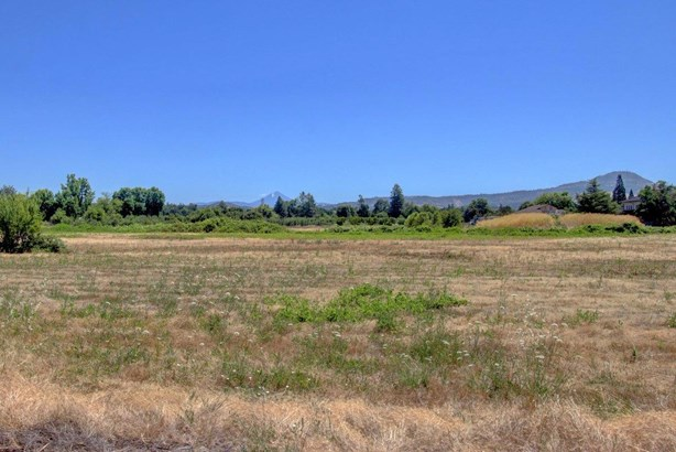 4609 Gebhard Rd , Central Point, OR - USA (photo 2)