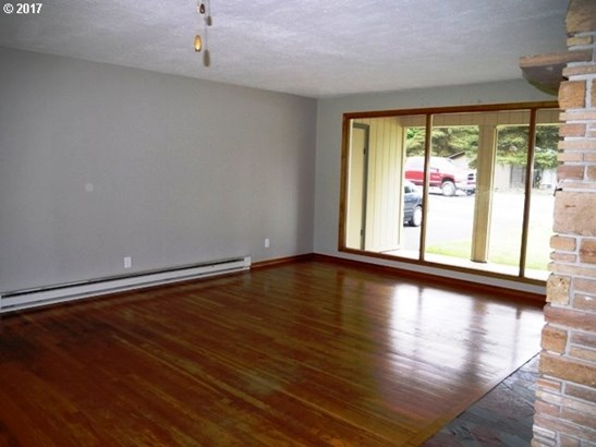 2554 Columbia Blvd , St. Helens, OR - USA (photo 4)