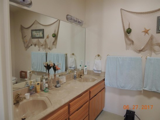 323 Gamay Dr , Cave Junction, OR - USA (photo 5)