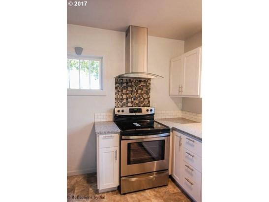 411 Nw Ebberts Ave , Hillsboro, OR - USA (photo 5)