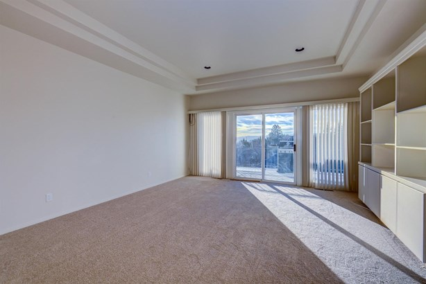 300 Orchard View Ter , Medford, OR - USA (photo 3)