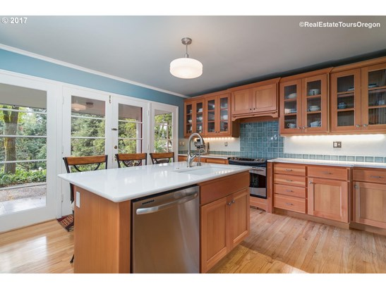 1306 Birch St , Forest Grove, OR - USA (photo 5)