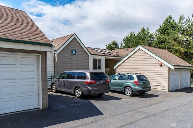 15325 Sunwood Blvd  B104, Tukwila, WA - USA (photo 2)