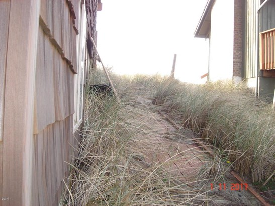 902 Nw Oceania Dr , Waldport, OR - USA (photo 4)