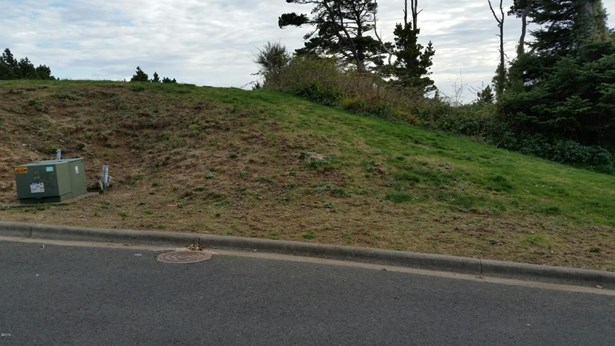 Lot 5 Sw Beach Ave , Lincoln City, OR - USA (photo 1)
