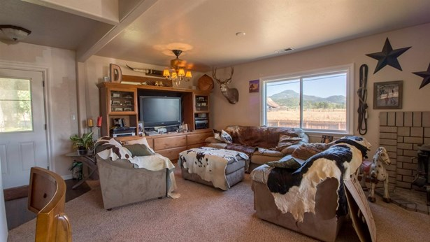 3505 Corey Rd , Central Point, OR - USA (photo 3)
