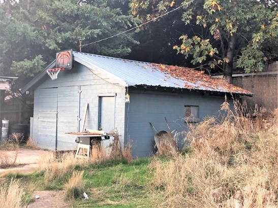 1335 4th Ave , Gold Hill, OR - USA (photo 4)