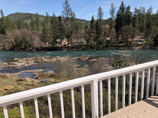 7034 Rogue River Dr , Shady Cove, OR - USA (photo 2)