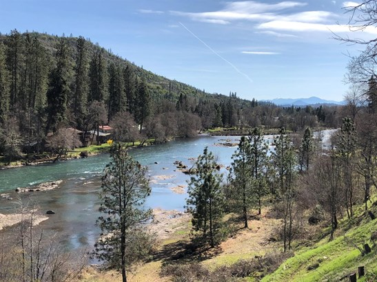 7034 Rogue River Dr , Shady Cove, OR - USA (photo 3)