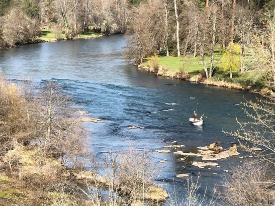 7034 Rogue River Dr , Shady Cove, OR - USA (photo 4)