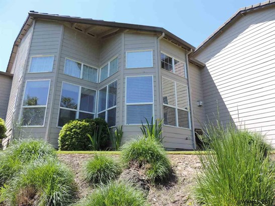 1330 Nw Oakmont Ct , Mcminnville, OR - USA (photo 2)