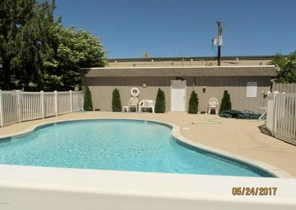 701 S 38th Ave , Yakima, WA - USA (photo 1)