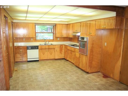 5520 Sw Erickson Ave , Beaverton, OR - USA (photo 3)
